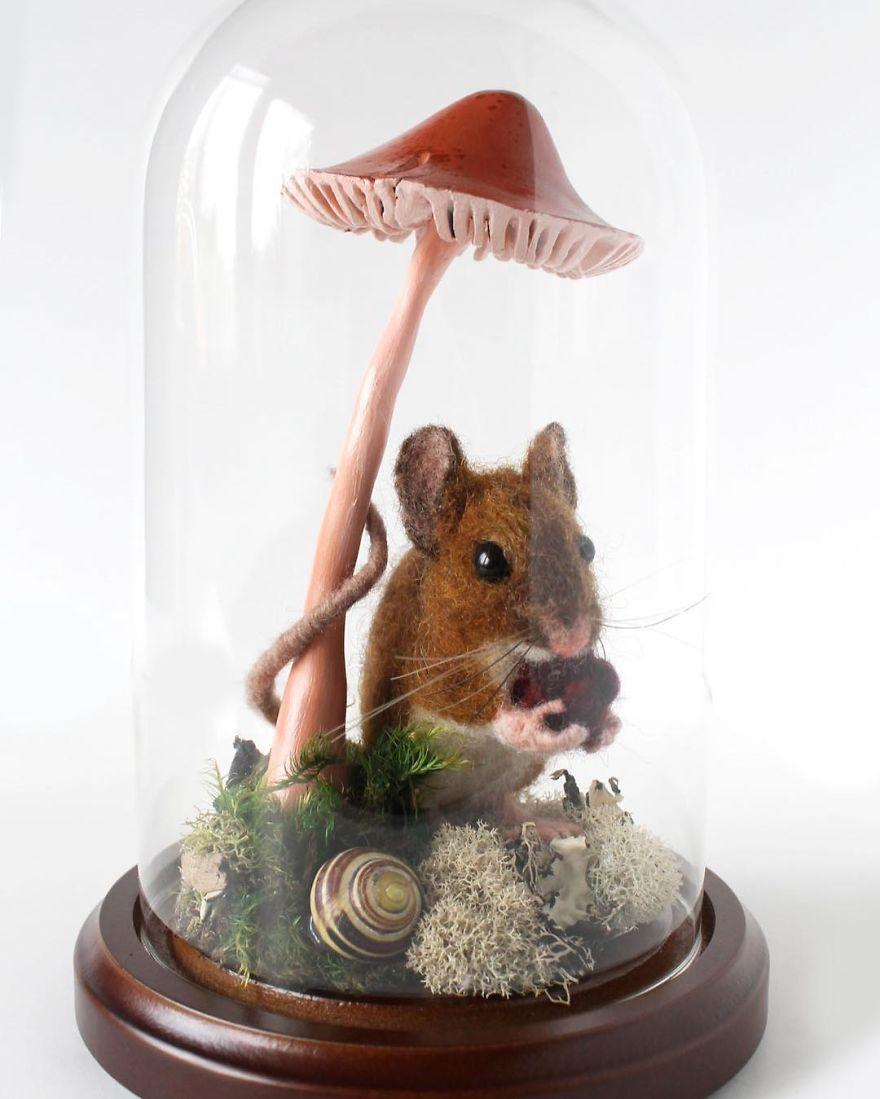 Diorama Mouse