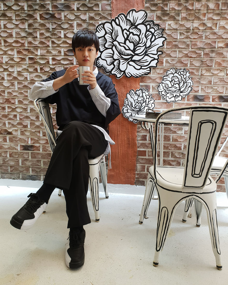 In Seoul, This Unusual Cafe Makes Its Customers Feel In A Comic Book