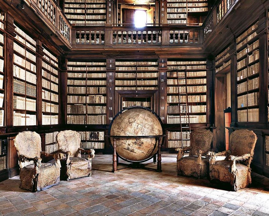 Photographer Goes Around The World In Search Of The Most Beautiful Libraries, And Here Is What He Found