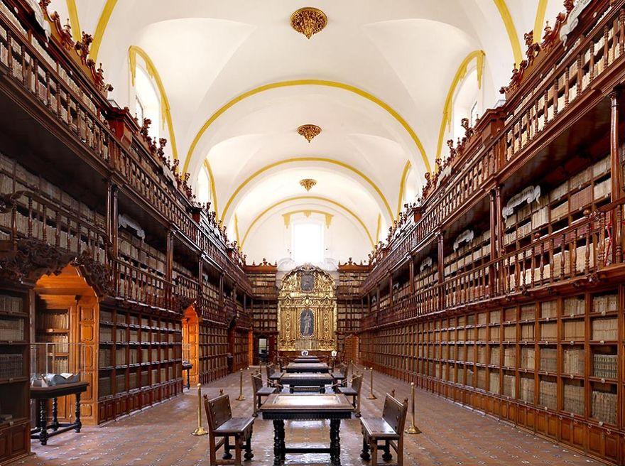 Palafoxiana Library, Puebla, Mexico