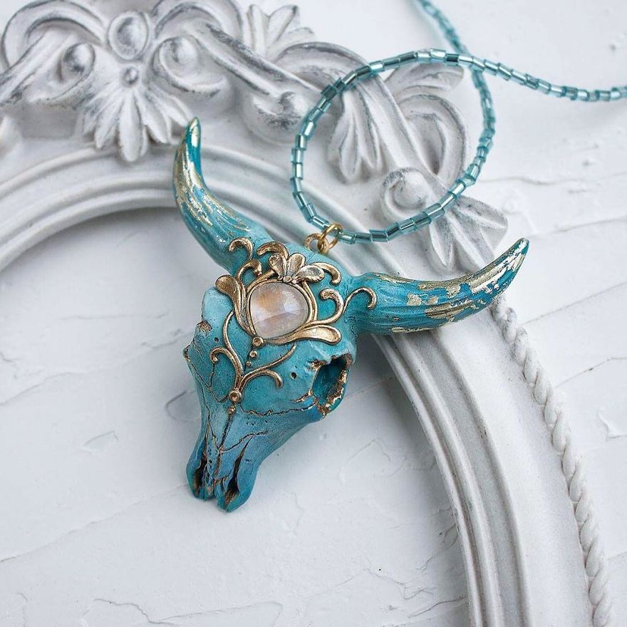 The Mysterious And Surrealistic Jewels Of This Designer Will Lead You To Wonder What Is Behind Each One
