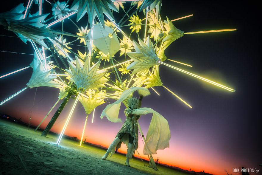 Yoshi Dancing At Radialumia By Foldhaus Collective