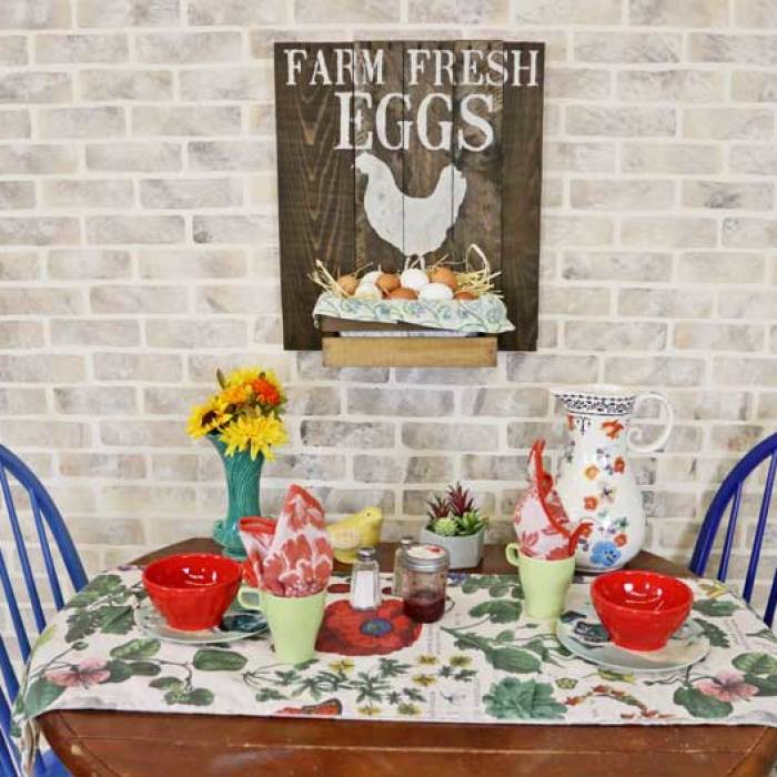 Transform A Wooden Pallet Into 5 Stenciled Signs Perfect For Fall