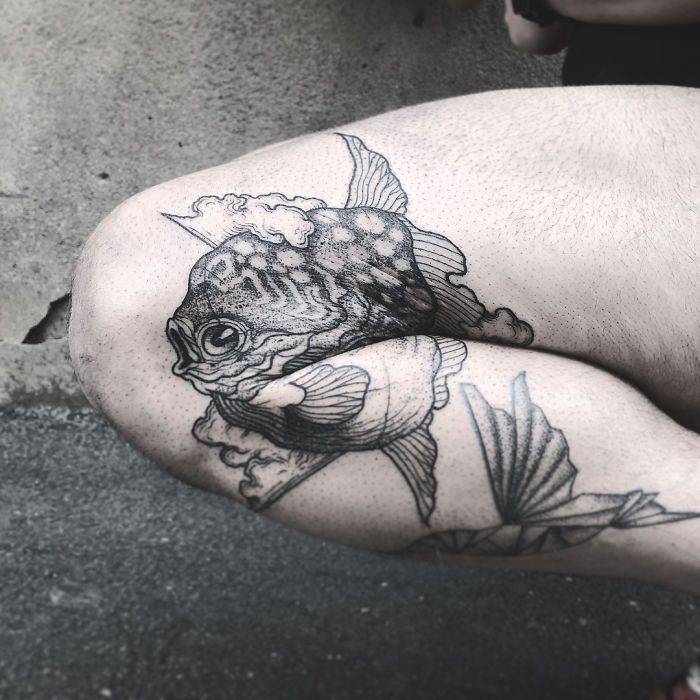 hidden legs arms bending optical illusion tattoos 11 5ba1f37aa8123  700 - 10+ Genius Tattoos That Reveal All Their Glory Solely After Your Prolong Your Legs Or Arms