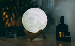 You Can Turn Your Bedroom Into A Van Gogh Painting With This 3D Moon Lamp