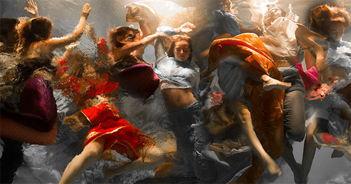 42 Breathtaking Underwater Photos That Look More Dramatic Than Baroque Paintings