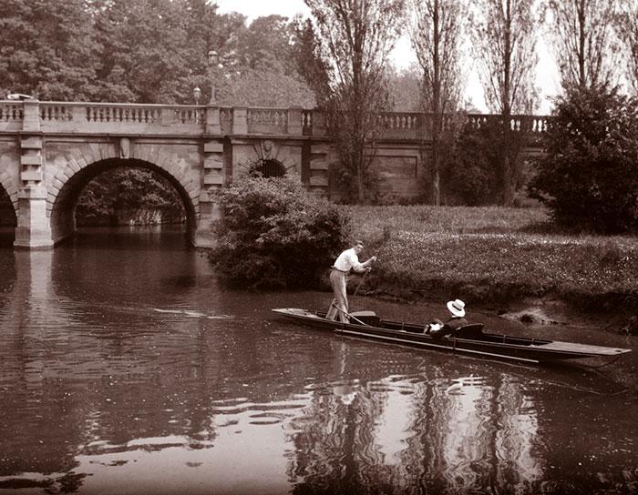 Punting At Magdalen Bridge, Oxford, England