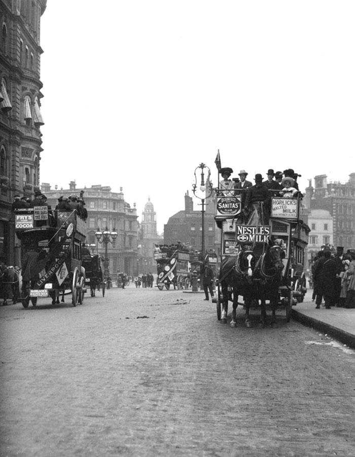 Omnibuses, London, England