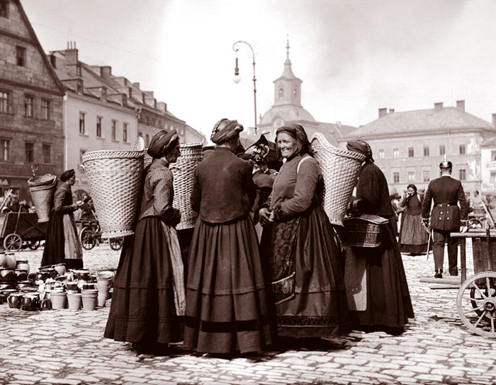 Women In Market, Bayreuth, Germany