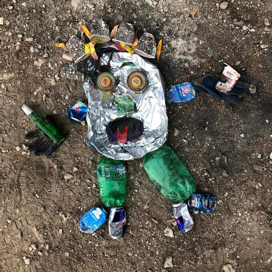 I-create-animal-sculptures-from-litter-that-I-find-5bc5993d95246__880