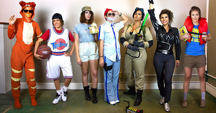 Every Year These Friends Dress Up As A Different Version Of The Same Celeb, And The Result Gets Better And Better