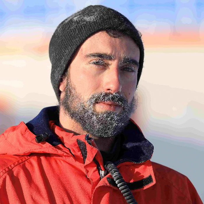 Astrobiologist Tries Cooking In Antarctica At -94ºF (-70ºC), And The Result Will Crack You Up
