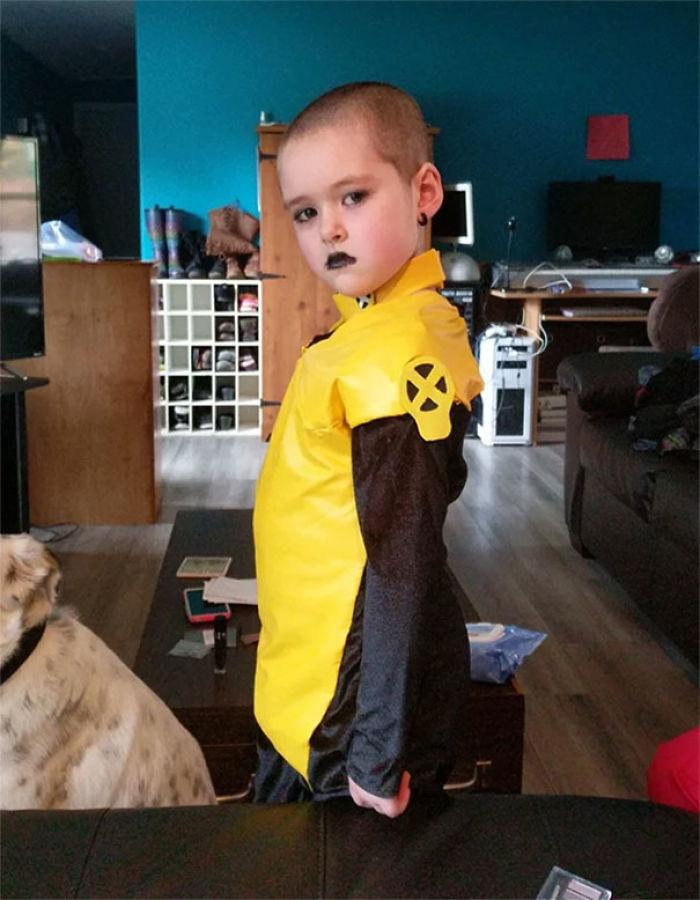 Mi hija quería coordinar su disfraz conmigo, pero yo ya tenía mi disfraz de Deadpool, así que aquí está Negasonic de 6 años