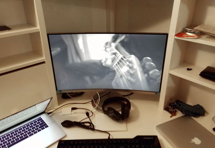 Curved Monitor In The Ikea Micke Table