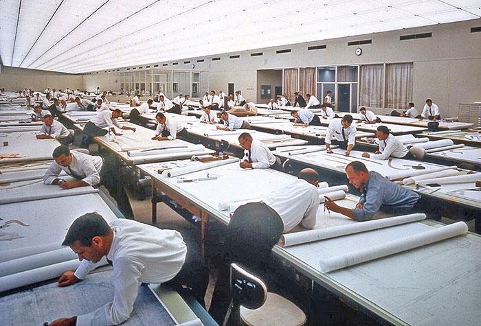 19 صور عتيقة مذهلة تظهر كيف عمل الناس قبل أوتوكاد(برنامج الرسم المطور)