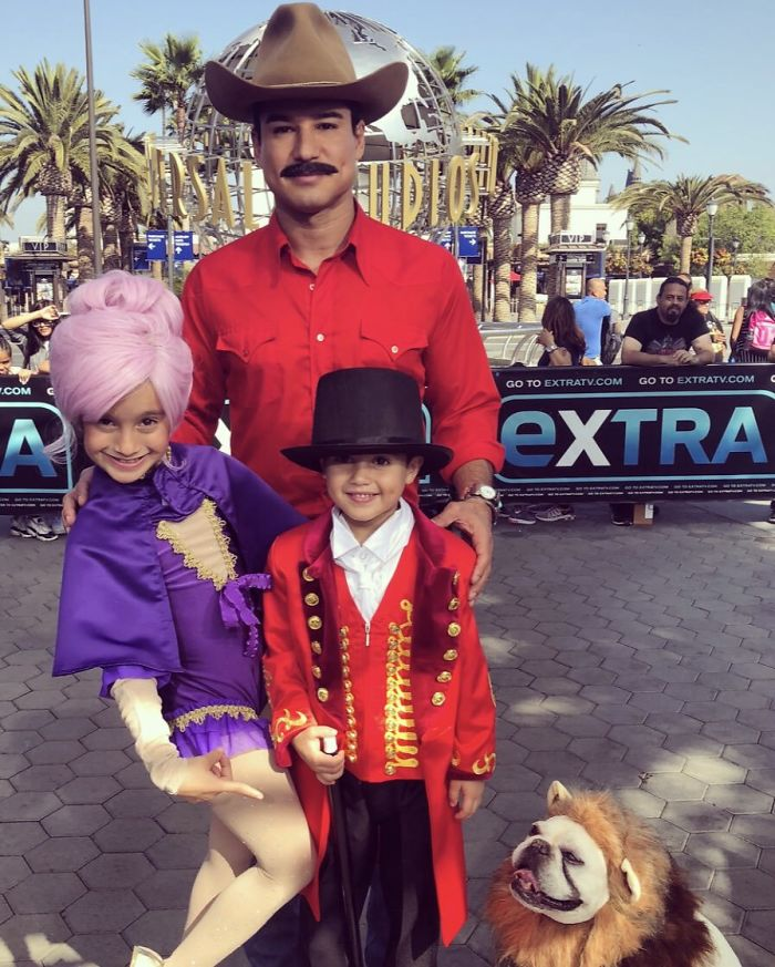 Mario Lopez As Bandit And The Greatest Showman