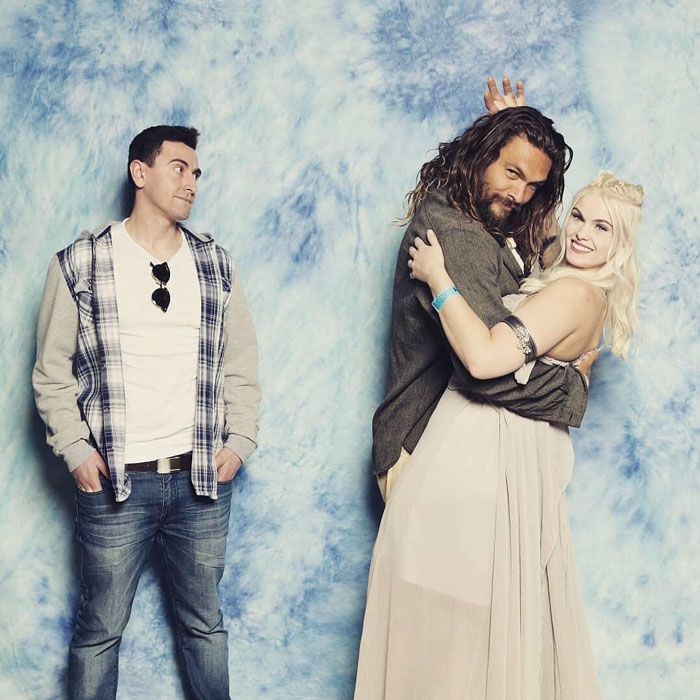 The Way Jason Momoa Is Trolling Guys When Couples Ask A Photo With