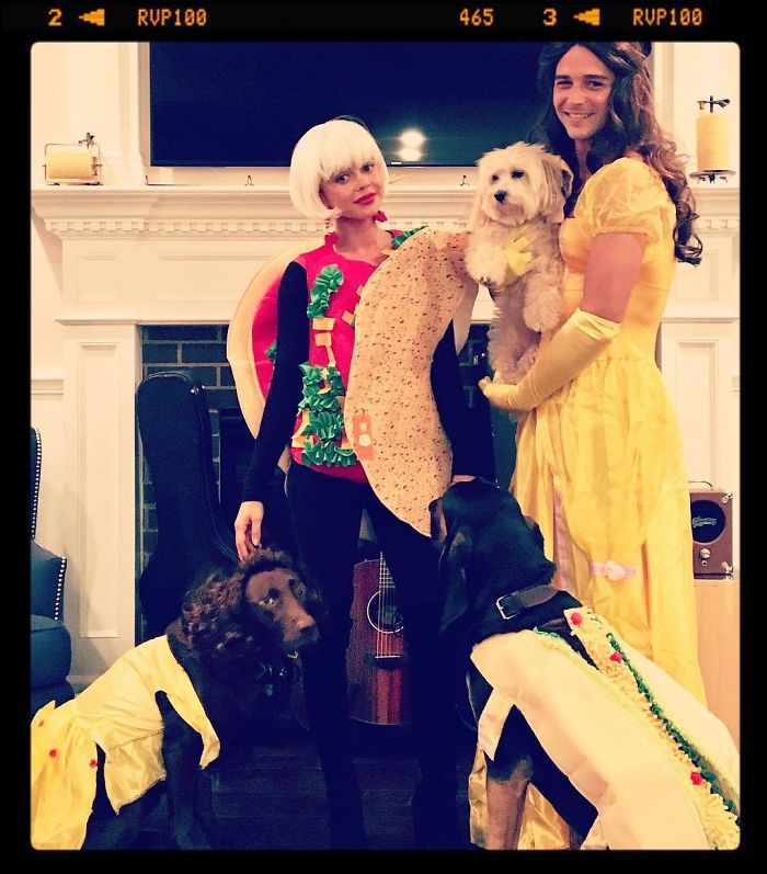 Sarah Hyland And Wells Adams As A Punny Taco Belle