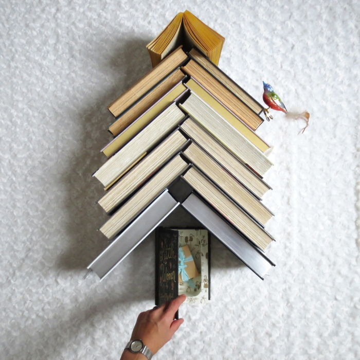 I'm A Shy Bookworm, And I Found A Bookish Way To Make My Living Without Leaving Home