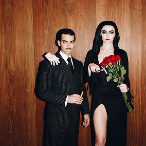 Sophie Turner And Joe Jonas As Morticia And Gomez Addams