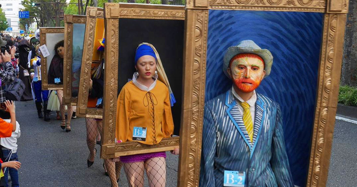 Japanese Art Students Turn Themselves Into Famous Paintings, And It's Probably The Best Group Costume Ever