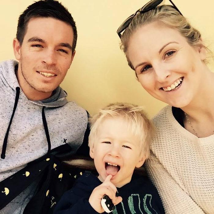 """Este trabajador padre de 3 hijos dice que la vida diaria de su esposa es """"fácil"""" y las madres están de acuerdo"""