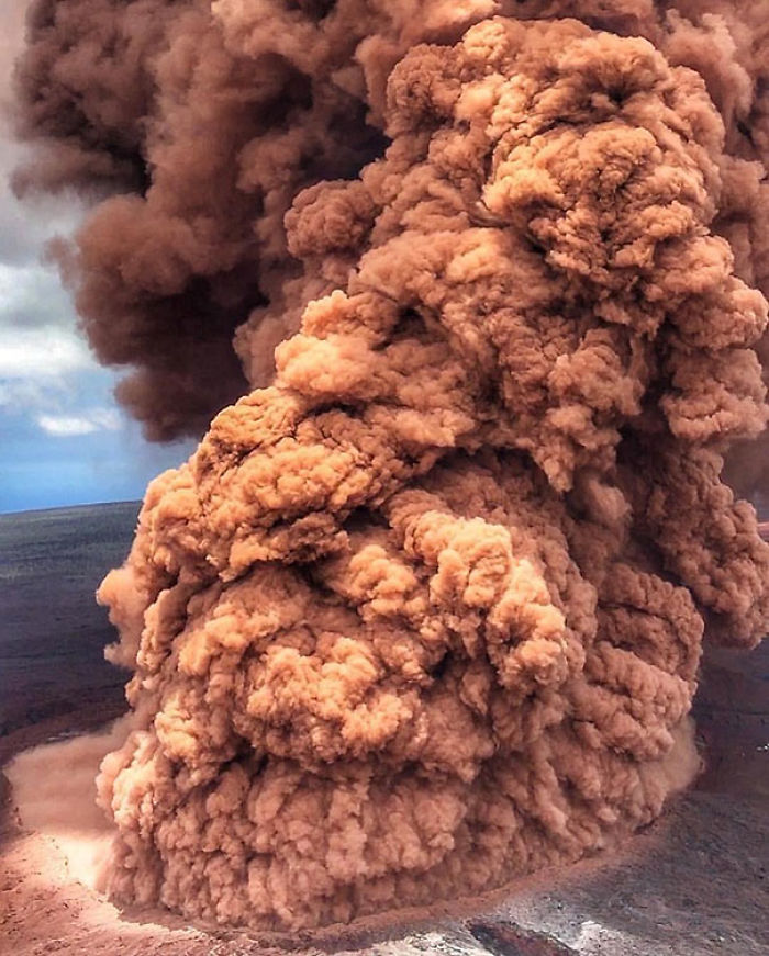 Volcanic Eruption Looks Like Fried Chicken