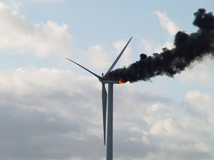 Two Engineers Died When The Windmill They Were Working On Caught Fire. This Might Be The Last Picture Of Them