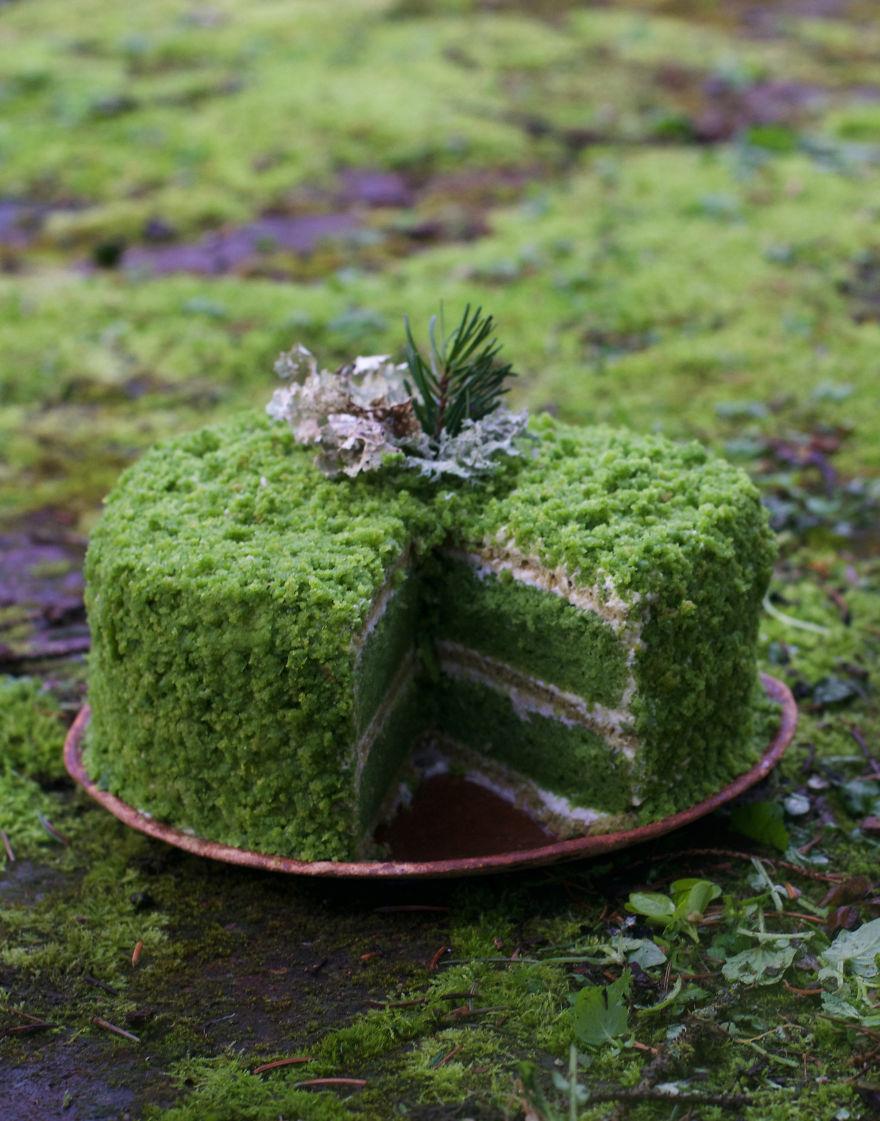 Lemon And Stinging Nettle Moss Cake
