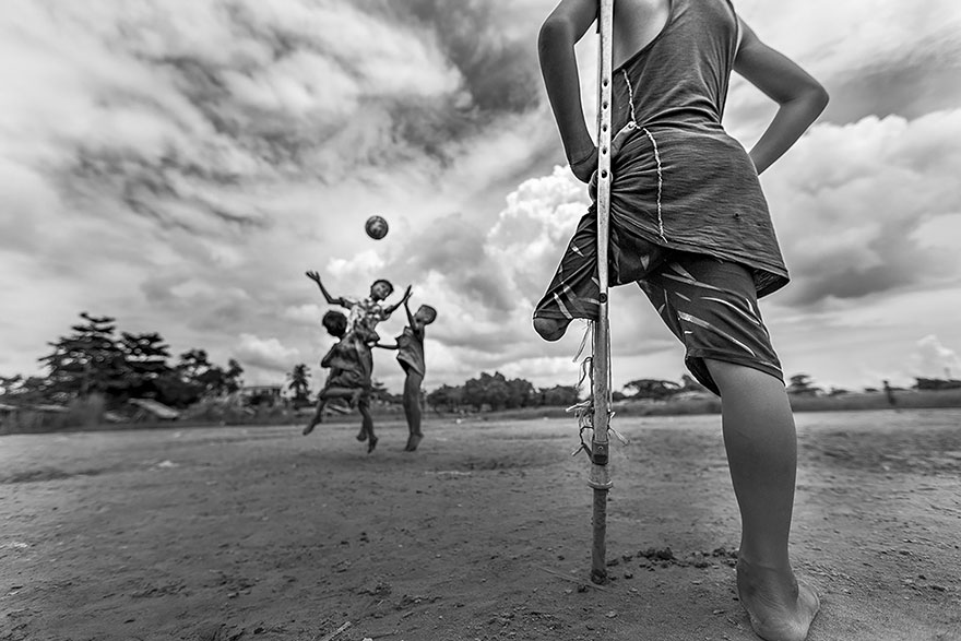 I Want To Play, Myanmar (Honorable Mention In General Monochrome Category)