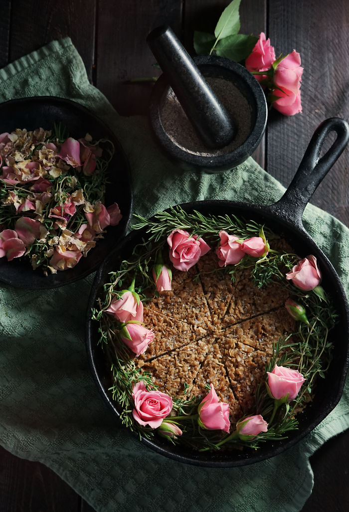 Wild Rose And Thyme Skillet Oatcake