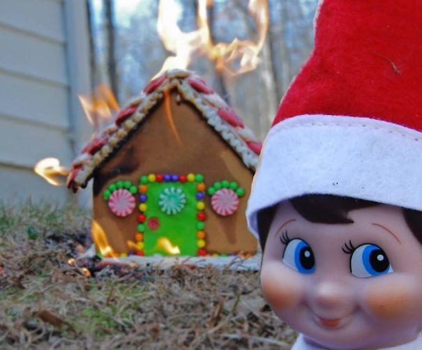 "One Of My Mom's ""Elf On The Shelf"" Photos"