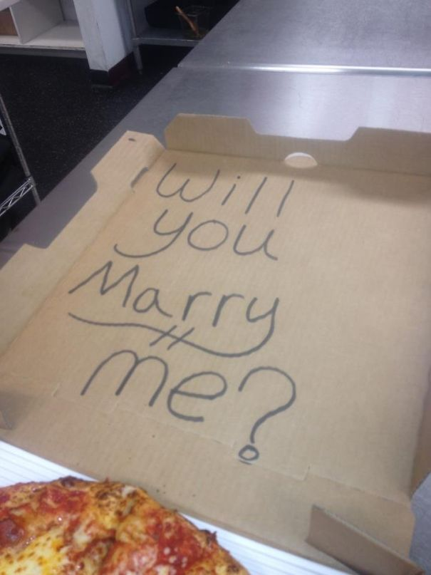 "A Guy Asked Us To Write On His Pizza Box ""Something To Cheer Up My Girlfriend."" Wonder How That Went?"
