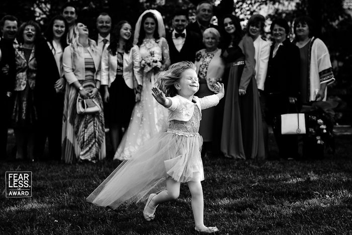The Best Wedding Photos Of 2018 Show What Happens When You Pay For A Good Photographer