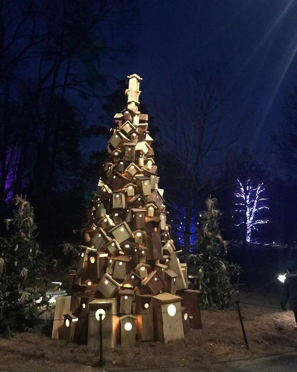 This Christmas Tree Is Made Out Of Old Woods And Logs And Guess What It Took Just 2 Days For The Person To Built It