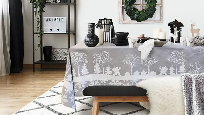 Diy Tablecloth Craft Using Christmas Stencils