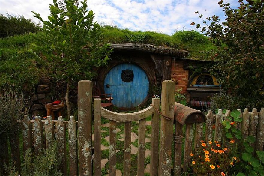 Village Of Hobbits Exists. Welcome To Hobbiton!