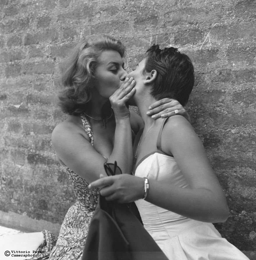 Sophia Loren With Her Sister Maria