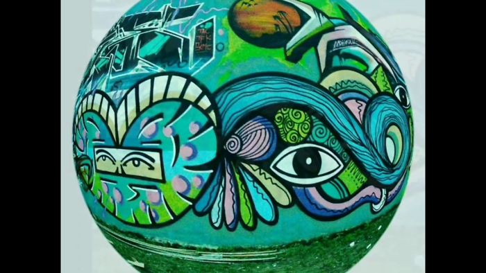 Gus Bill Takes Street Art To Another Level With His Unique Eye-Heart Character