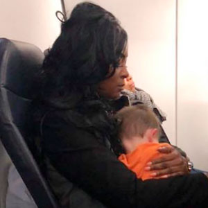 Mother's 2 And 5 Year Old Children Become Restless During A Flight So 3 Other Mothers Step In
