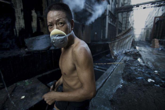 [Image: award-winning-chinese-photographer-vanis...2__700.jpg]