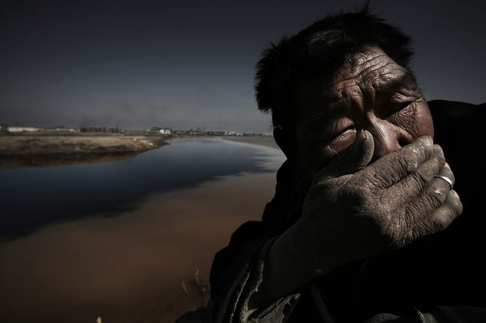 Award-Winning Photojournalist Disappears In China, And Here Are 21 Of His Pics China Don't Want You To See