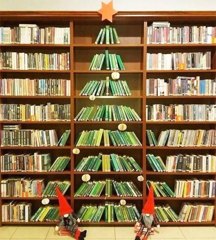 Weihnachtsbaum in der Bib
