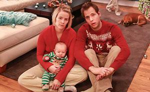 """Esta familia comenzó a hacer tarjetas navideñas """"reales"""" hace 5 años, y cuanto más crecen los niños, más locas son"""