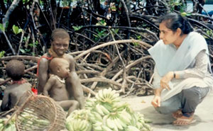 In 1991 The First Woman Contacted The Sentinelese Tribe, And Made Them Put Their Arrows Down