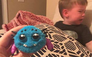 Mom Regrets Buying Her Kid A Scream-Activated Spider Toy From Amazon After Learning How It Works