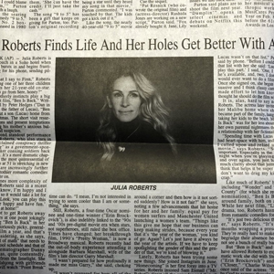 Newspaper Makes An Unfortunate Typo On Julia Roberts Headline And People Make The Best Of It