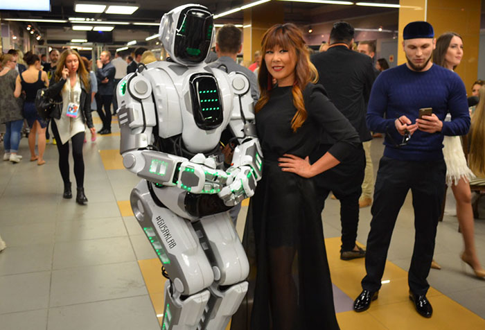 Russia S Advanced Ai Robot Turns Out To Be A Human In A Costume