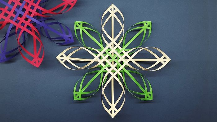 3d Paper Snowflakes For Decorating Upcoming Christmas   Diy Christmas Decor!