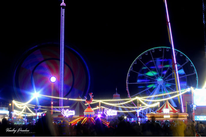 """My First Long-Exposure Photos Of Carnival Rides At Global Village In Dubai, Also My First Post On """"Boredpanda"""""""
